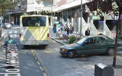Rosario Porto, cazada por Street View saliendo del domicilio de Xeneral Pardiñas en septiembre del 2013